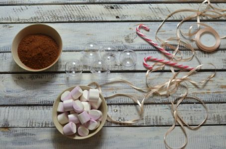 Minibombka z kakao DIY - pomysł na prezent świąteczny