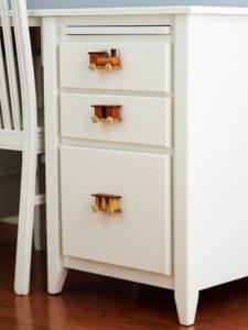Jak wykorzystać dekoratorsko stare klocki i zabawki? Inspiracje