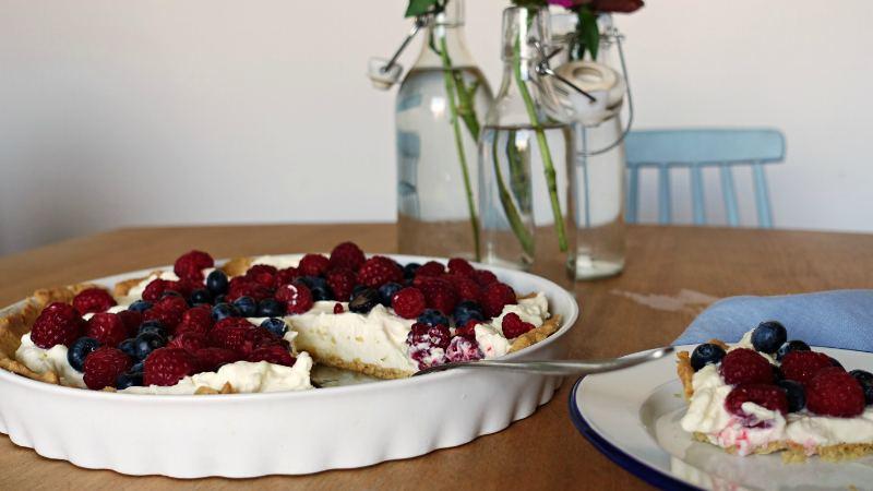 Tarta z mascarpone i owocami - łatwy przepis