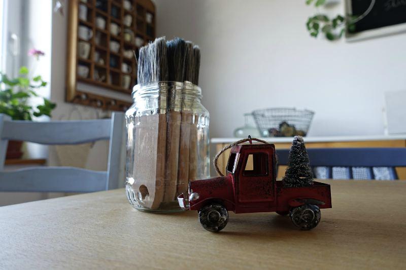 malowanie drewna farby kredowe