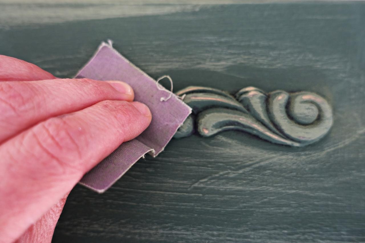 malowanie komody krok po kroku przecieranie mebli